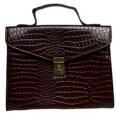 Quelles sont les causes décoloration d'un sac à main en cuir?