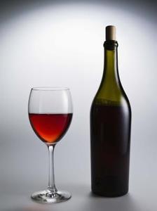 Comment faire un tiki torche bouteille de vin