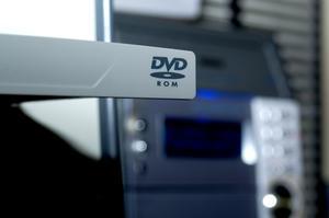Comment puis-je télécharger un DVD sur mon ordinateur portable?