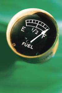 Comment faire pour installer une jauge de réservoir de carburant sur un bateau