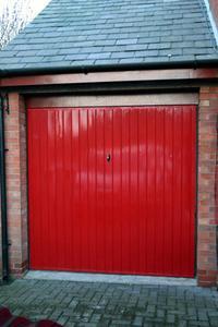 Comment construire une porte de garage en bois