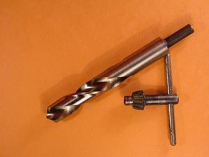 Comment percer des trous dans Angle Steel