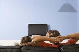 Comment pêcher de télévision par câble à travers les murs finis