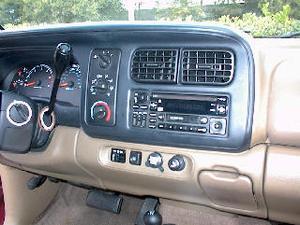 Comment faire pour installer une radio dans un Durango