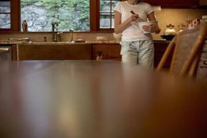comment fixer un top table pliante un mur. Black Bedroom Furniture Sets. Home Design Ideas