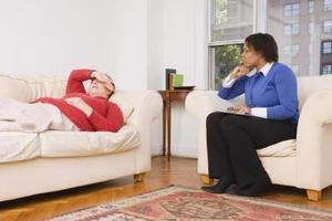 Comment aider une personne avec une crise de la quarantaine