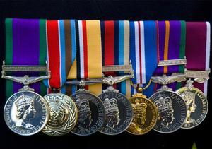 Comment à l'image Médailles de guerre