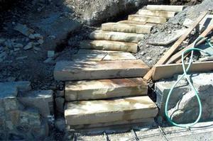 Comment construire pierre bloc étapes sur une colline