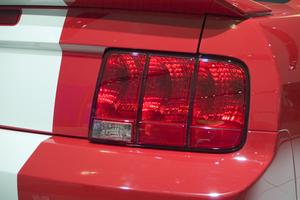 Comment régler un Mustang Frein de stationnement
