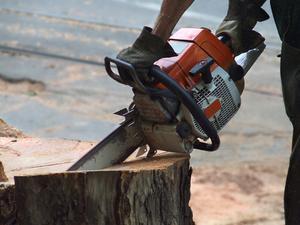 Comment faire pour résoudre un Sears Chainsaw Ce est inondations