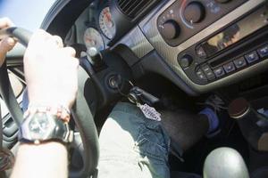 Comment puis-je remplacer le contacteur d'allumage sur une Jeep Cherokee 1999?