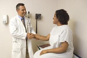 Besoin fréquent d'uriner et douleur à la jambe