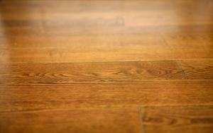 Comment postuler polyuréthane à Hardwood Floors sans bulles