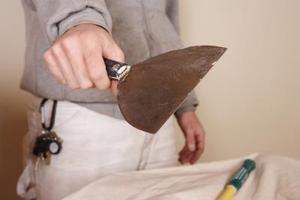 Comment réparer les fissures dans la cloison sèche sur le plafond