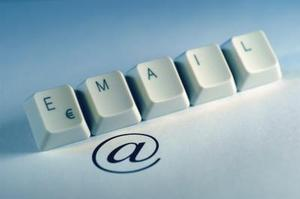 Comment retarder l'envoi des e-mails dans Outlook Web