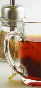 Comment pensez-vous les taches de thé propre provenant d'une Pitcher plastique?