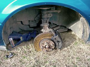 Comment faire pour mettre votre voiture sur quatre Jack Stands