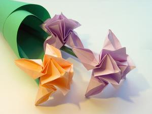 Comment plier un ballon papier japonais Kusudama