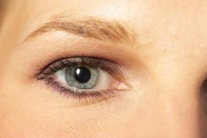 Alternatives pour les personnes déficientes sourcils cheveux