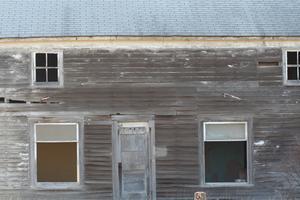 Comment faire pour installer une toiture métallique ondulée