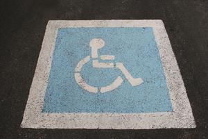 Comment concevoir douches accessibles en fauteuil roulant