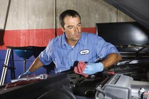 Comment faire pour supprimer le radiateur sur une Jeep Cherokee Sport 2000