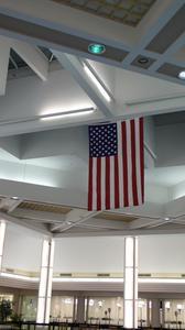 Comment accrocher un drapeau nous verticalement