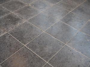 Comment installer carreaux de couleur en forme de losange