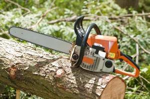 Comment remplacer le câble d'accélérateur sur une Stihl Chainsaw