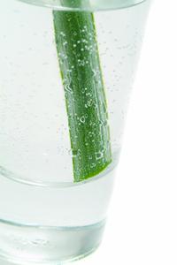 Comment faire votre propre eau Faux pour Fleurs artificielles