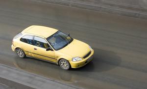 Comment régler un frein de stationnement dans une Honda Accord 1997
