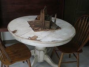 Comment la détresse d'une table de chêne