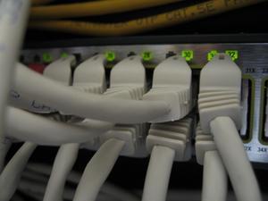 Comment puis-je configurer un serveur DHCP Cisco 1841?