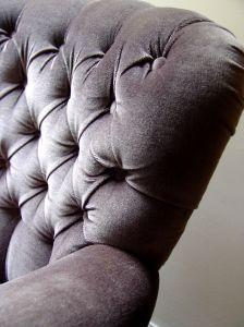 Comment nettoyer les meubles de velours