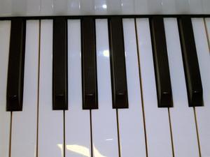 Comment utiliser des contrôleurs MIDI dans Omnisphere