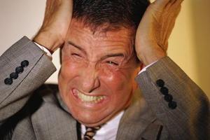 Signes et symptômes des hommes avec une crise de la quarantaine