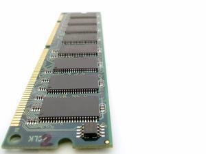 Mon P5Q Pro ne reconnaît pas quatre bâtons de mémoire