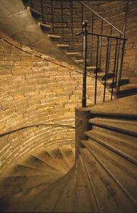 Comment peindre broches d'escalier pour ressembler fer forgé
