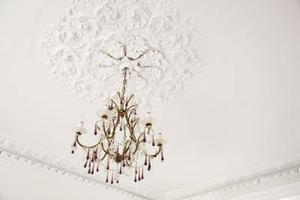 Comment câbler un plafond Lumière électrique