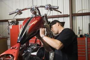 Comment diagnostiquer les problèmes de freinage des motocycles