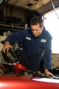 Comment ajouter du liquide de transmission automatique à un Honda Odyssey 2003