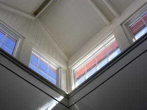 Comment accrocher les plaques de plâtre sur un plafond voûté