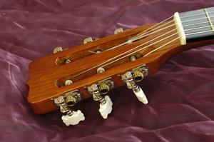 Comment installer un Nouer Acoustic Guitar Strap