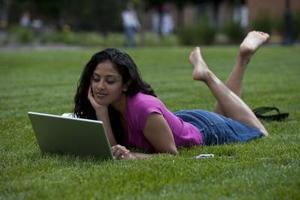 Comment utiliser des ordinateurs portables à l'extérieur sans éblouissement