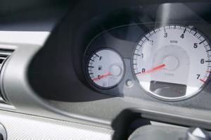Comment faire pour installer une jauge RPM sur une Honda Civic 04