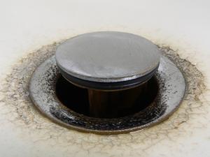 Comment remplacer la vanne d'arrêt sur un lavabo