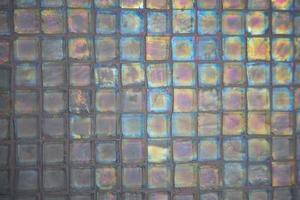 Différentes façons de faire le bord du mur de carreaux de céramique