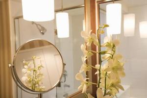 Comment obtenir de la lumière dans une salle de bain sans fenêtre