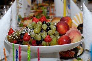 Comment organiser des plateaux de fruits & banquet affiche