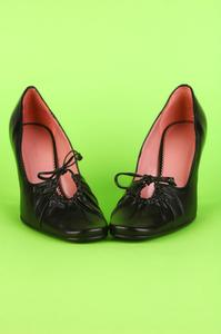 Magasins qui vendent des chaussures larges de montage